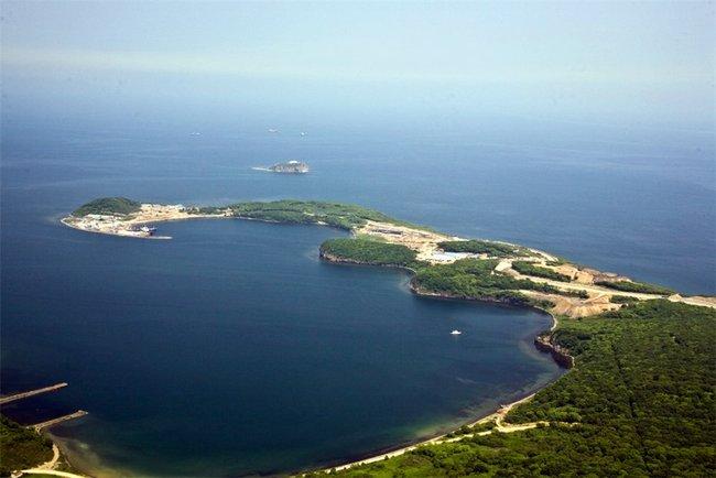 Территория будущего океанариума. Снимок сделан с вертолёта 18 июля 2010 года
